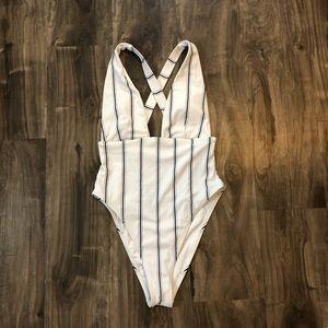 White Striped Cross-back One Piece Swinsuit